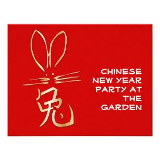 Conejo de oro con el carácter chino comunicados personales