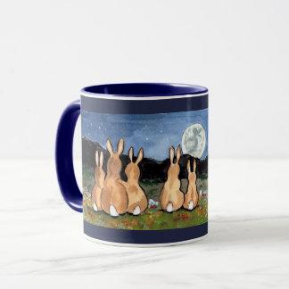 Conejo en la marina de guerra de la taza de la