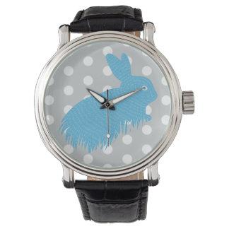 Conejo lindo del azul de los lunares relojes de pulsera