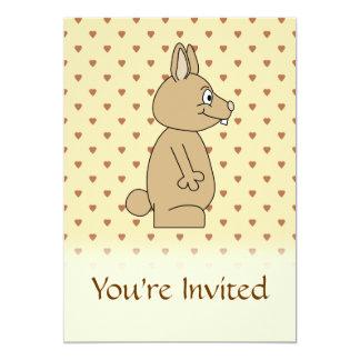 Conejo marrón claro lindo invitación 12,7 x 17,8 cm