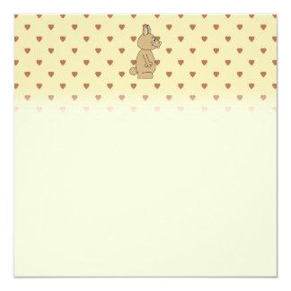 Conejo marrón claro lindo invitación 13,3 cm x 13,3cm
