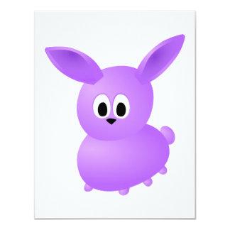 Conejo púrpura del bebé comunicados personalizados