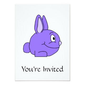 Conejo púrpura invitación 12,7 x 17,8 cm