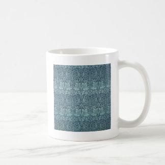 Conejo y plantas azules de William Morris Taza De Café