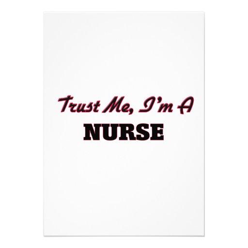 Confíe en que yo es enfermera invitación