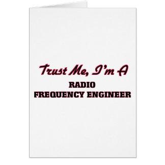Confíe en que yo es ingeniero de la felicitaciones