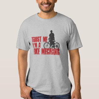 Confíe en que yo es mecánico de la bici camiseta