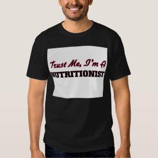 Confíe en que yo es nutricionista camisas