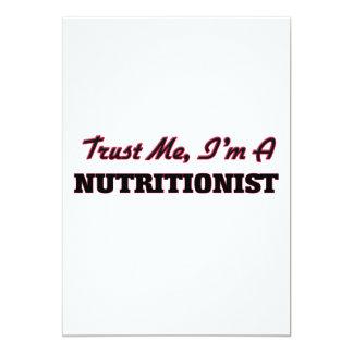Confíe en que yo es nutricionista invitación 12,7 x 17,8 cm