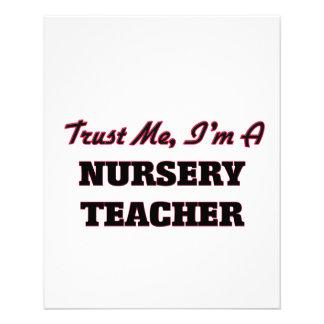 Confíe en que yo es profesor del cuarto de niños tarjeta publicitaria