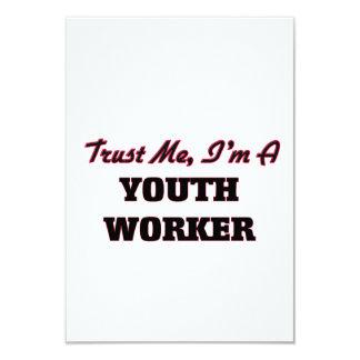 Confíe en que yo es trabajador de la juventud invitación 8,9 x 12,7 cm