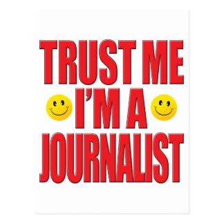 Confíeme en vida del periodista postal