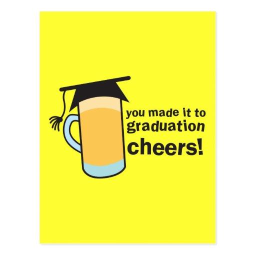 ¡congratuations que usted graduó! Vidrio de CERVEZ Tarjetas Postales
