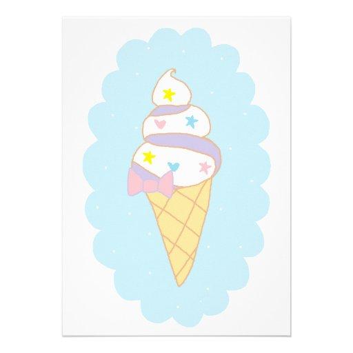 Cono de helado lindo del remolino invitacion personal