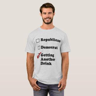 Conseguir otro fiesta de la bebida camiseta