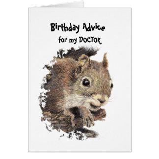 Consejo divertido de la ardilla del cumpleaños del tarjeta