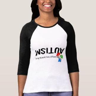 Considerando el mundo de un diverso ángulo camisetas