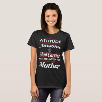 Consigo mi cartero de la actitud que llamo a la camiseta