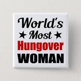 Consumición divertida de la mujer más hungover del chapa cuadrada