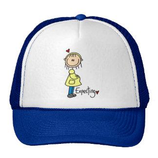 Contar con las camisetas y los regalos del bebé gorras de camionero