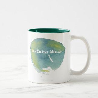 Contiene la taza mágica
