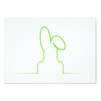 Contorno de una liebre verde clara invitación 11,4 x 15,8 cm