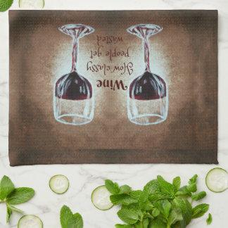 Copa de vino que dice la toalla de cocina