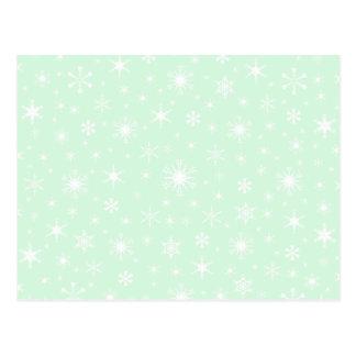 Copos de nieve - blanco en verde en colores pastel postal