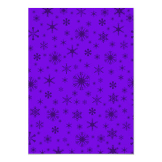Copos de nieve - violeta oscura en violeta invitación personalizada