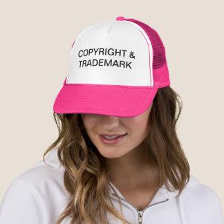 Copyright y gorra del camionero de la marca