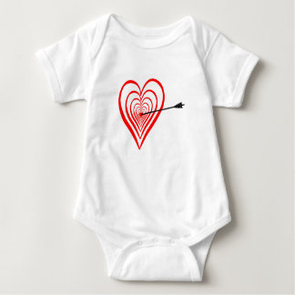 Corazón blanco con flecha body para bebé