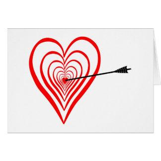 Corazón blanco con flecha tarjeta