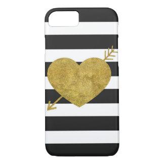 Corazón blanco y negro con la flecha funda iPhone 7