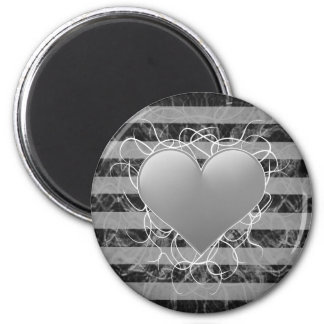 Corazón blanco y negro del emo punky gótico con la iman de nevera