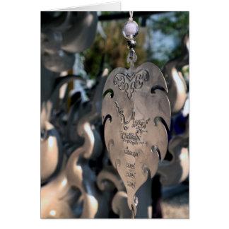 Corazón colgante en el templo blanco, Tailandia Tarjeta De Felicitación