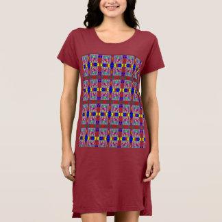 Corazón colorido en vestido cuadrado de la