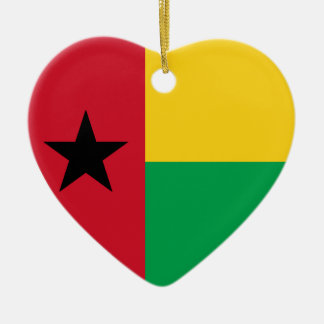 Corazón de la bandera de Guinea-Bissau Adorno De Cerámica En Forma De Corazón
