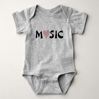 Corazón de la música del amor de las notas de la body para bebé