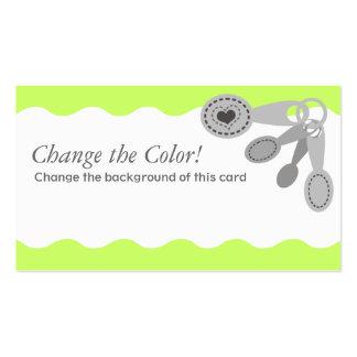 Corazón de las cucharas dosificadoras que cocina tarjetas de visita