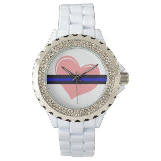 Corazón de las señoras en el reloj fino de Blue