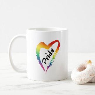 Corazón del arco iris de la taza de café del