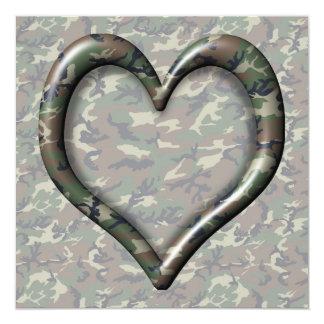 Corazón del bosque del arbolado del camuflaje en invitación 13,3 cm x 13,3cm
