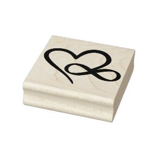 Corazón del infinito sello de caucho