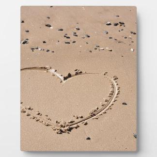 corazón en arena placa expositora