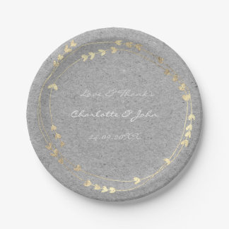 Corazón más astuto gris de la guirnalda del oro de plato de papel