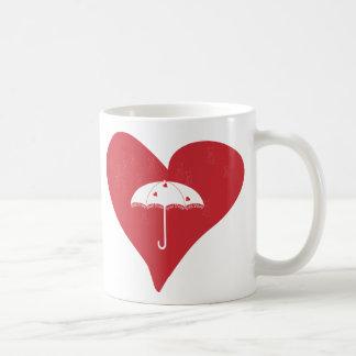 Corazón nupcial de la ducha tazas de café