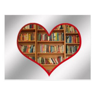 Corazón por completo de libros postal