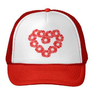 Corazón rojo de la cadena de margaritas gorra