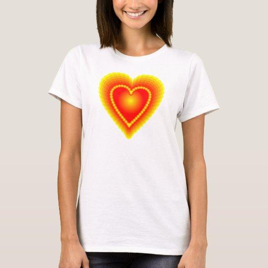 Corazón rojo y amarillo camiseta