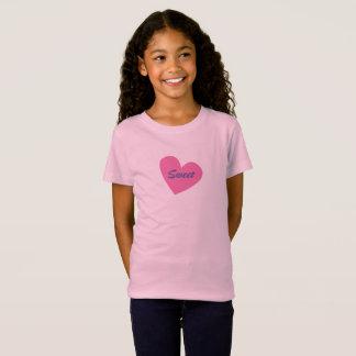 Corazón rosado grande de la camiseta rosada de los